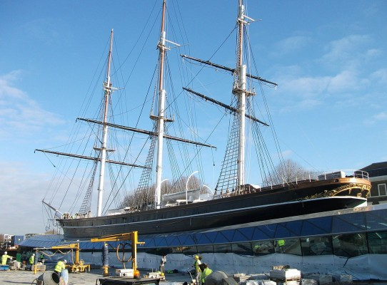 1200px-Cutty_Sark_2012_landscaping