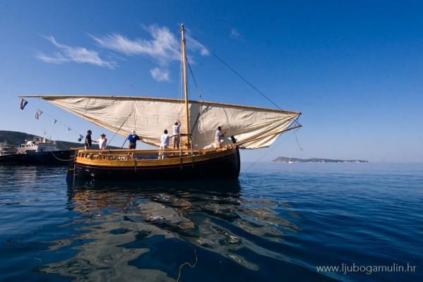 lateen-sail