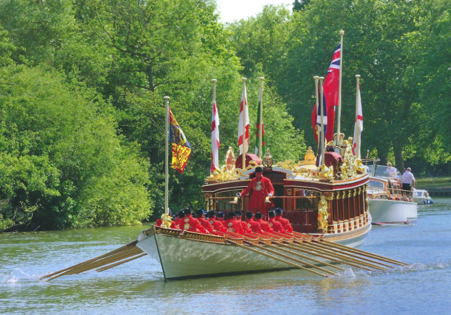 Gloriana Heads Flotilla To Honour The Queen S 90th