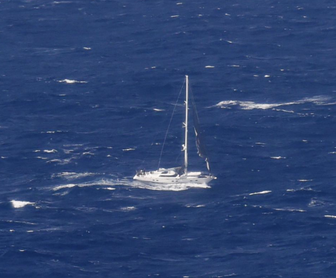 Yacht Platino has been towed back to New Zealand - YBW