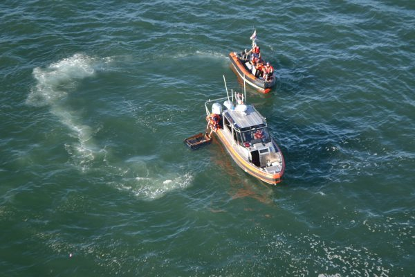Coast Guard responds to capsized sailboat with 30 people aboard in San Francisco