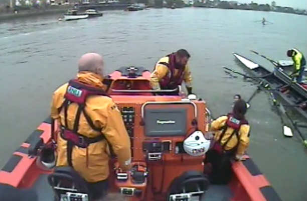 RNLI rescues four schoolgirls from river Thames