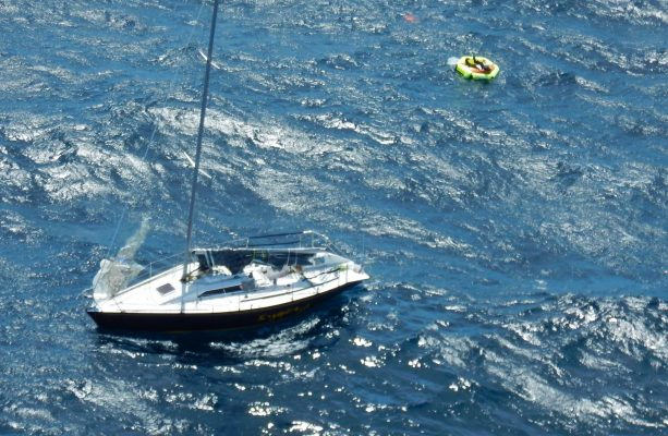 Solo skipper forced to abandon yacht off Tasmania