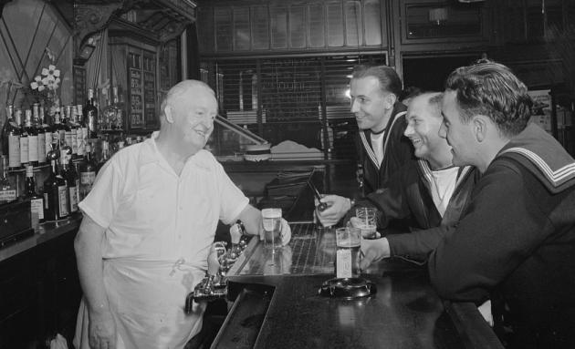 A sailor walks into a bar   jokes to keep you laughing - YBW