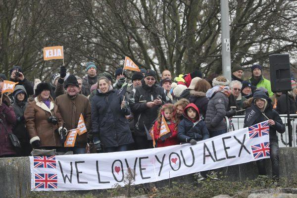 Fans of Alex Thomson