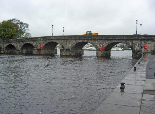 A stone bridge crossing the river Shannon in Ireland