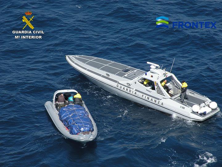 Italian police seize 1,413kg of marijuana in high speed boat chase - YBW