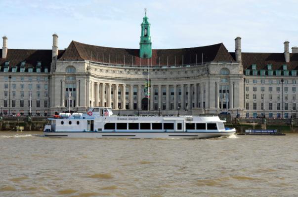 passenger boat on the thames