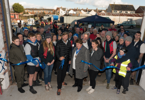 alex thomson cuts the ribbon at Oarsome Chance facility launch
