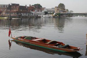 thames bank boat up for auction
