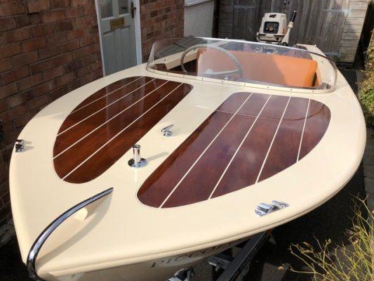 Broom Rapier Mk 2 speedboat up for auction