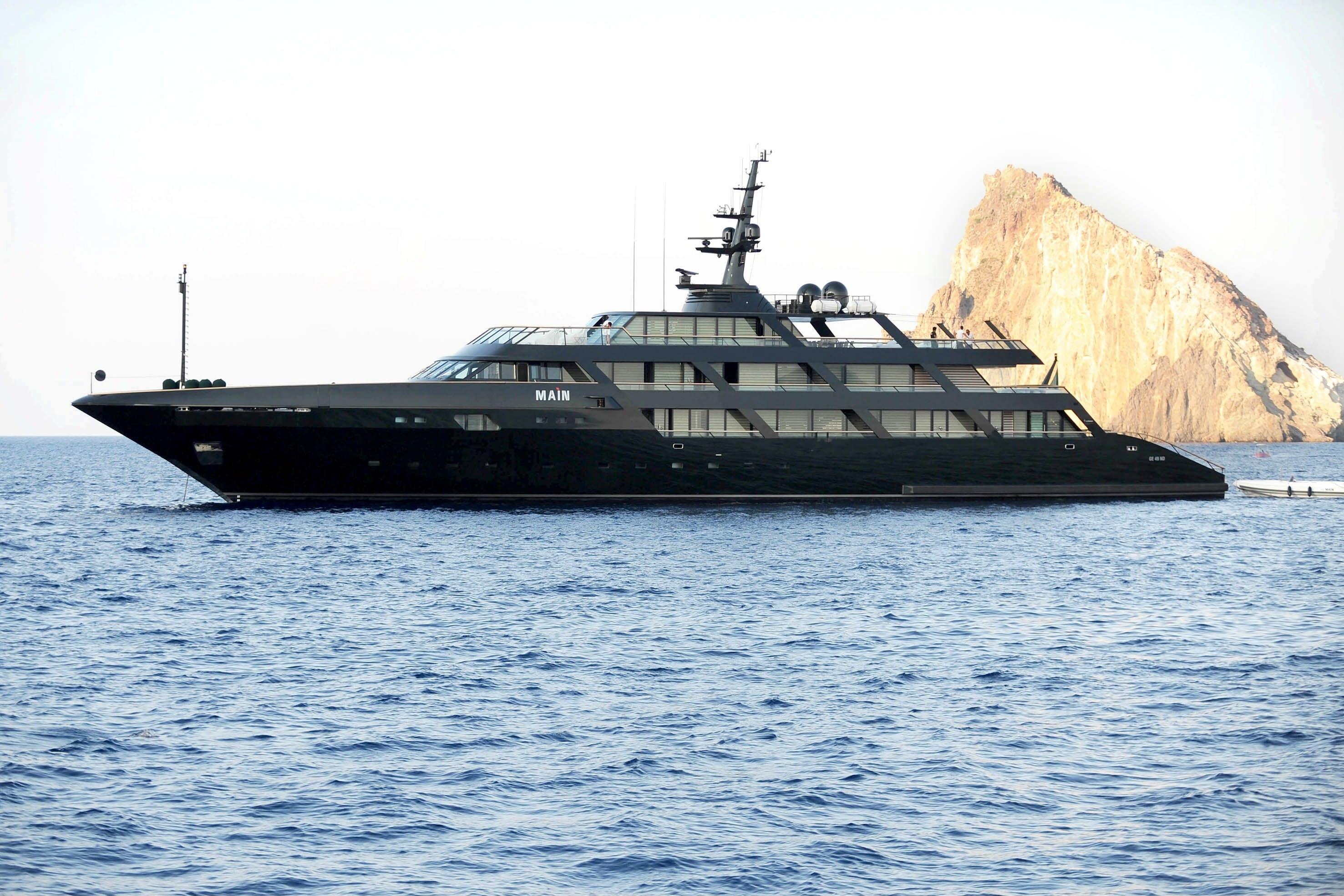 10 Most Stunning Celebrity Superyachts Luxury Knows No Boundaries Ybw