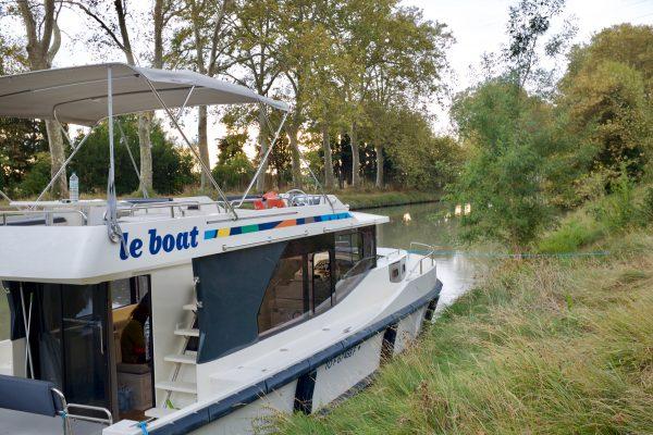Cruising The Canal Du Midi On Le Boat S Horizon 1 Boat Ybw