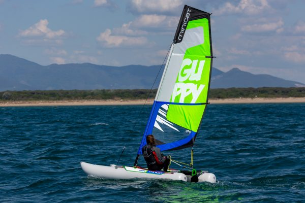 MiniCat GUPPY: The easy to carry inflatable catamaran