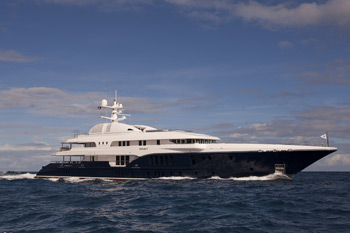 Sycara V wins 'Best Displacement Motor Yacht' award