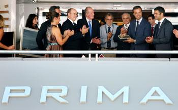 Prince Albert II of Monaco presents Columbus 177' Prima with award
