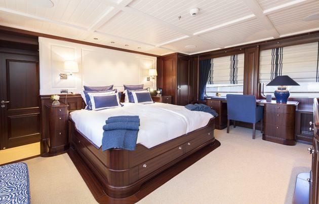 Hakvoort39s 38 metre soprano delivered superyacht world for Interior decorator sopranos