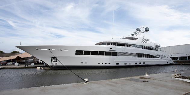 http://keyassets.timeincuk.net/inspirewp/live/wp-content/uploads/sites/24/2014/09/Feadship_Rock_It_web.jpg