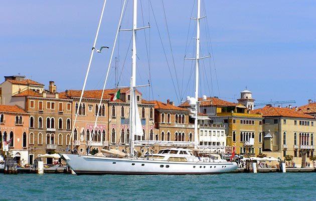 Sailing yacht 'Juliet'