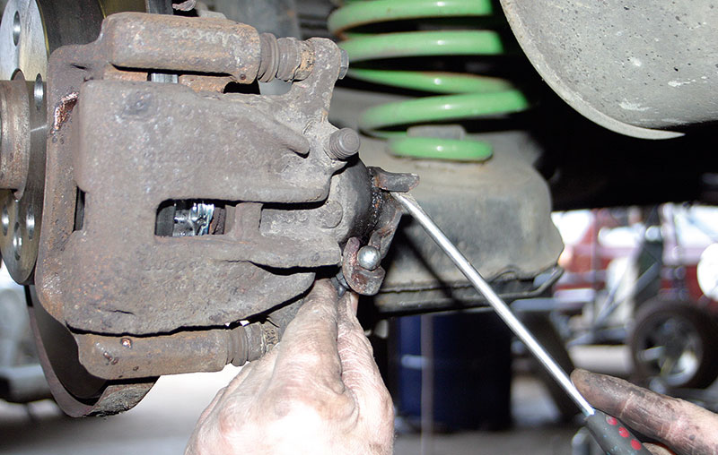 Replacing handbrake cables on a Volkswagen T4 Transporter