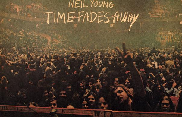 Neil Young S Time Fades Away Reissue The Plot Thickens