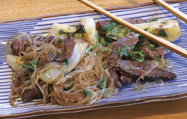 Chilli pigeon noodles with ginger