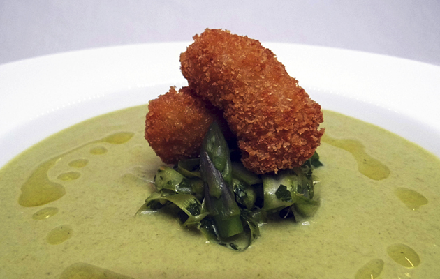 Chilled asparagus velouté
