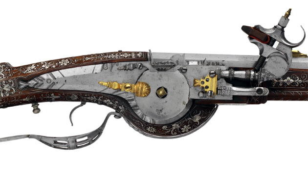 Wheellock. Historical hunting weapons. Main mechanism