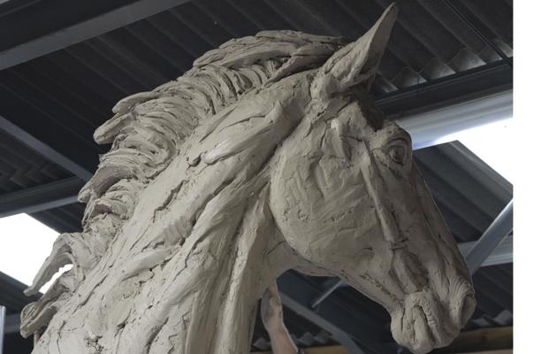 Sculptor Hamish Mackie