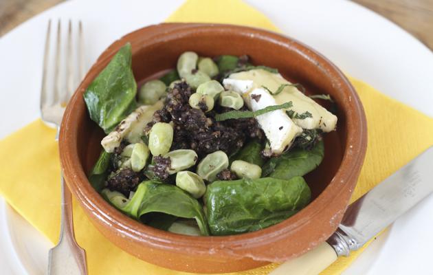 Warm black pudding salad