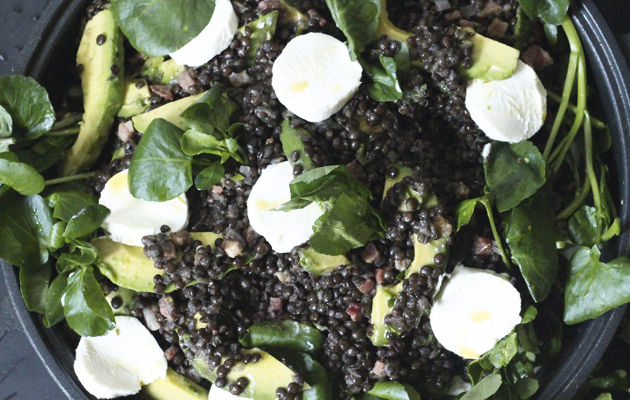 Beluga lentil, goat's cheese and avocado salad. 10 best salad recipes.