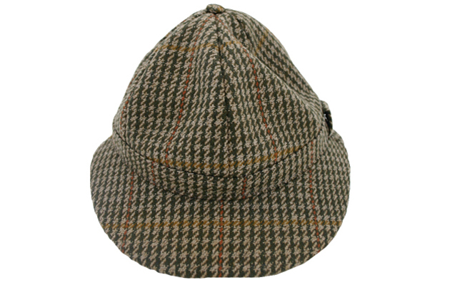 How to find the correct deerstalking hat.