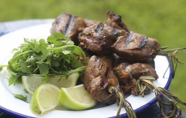 Pigeon kebabs with hare and rosemary.