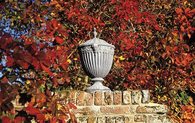 Restore a garden urn