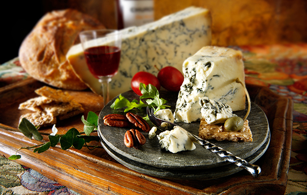 Christmas Cheese Board.How To Prepare The Best Christmas Cheeseboard The Field
