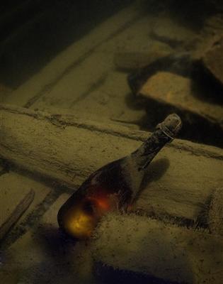 Resultado de imagen de Shipwrecked Champagne