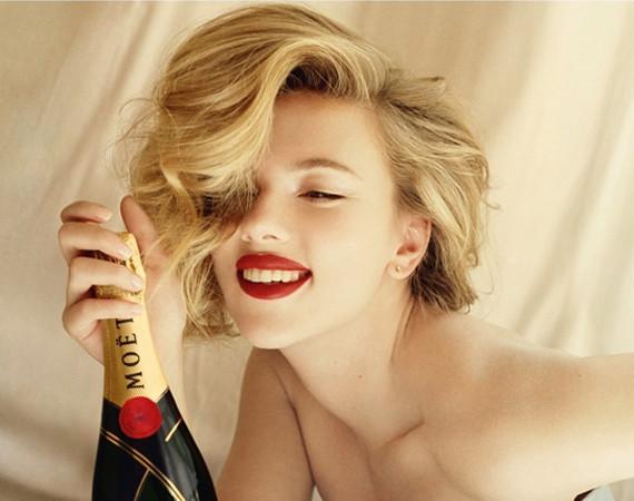 Scarlett Johansson Moet