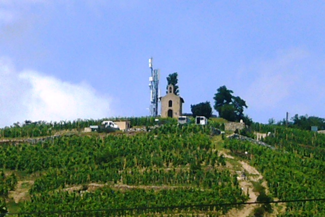Rhone producers 'will block roads' to stop new TV mast - Decanter