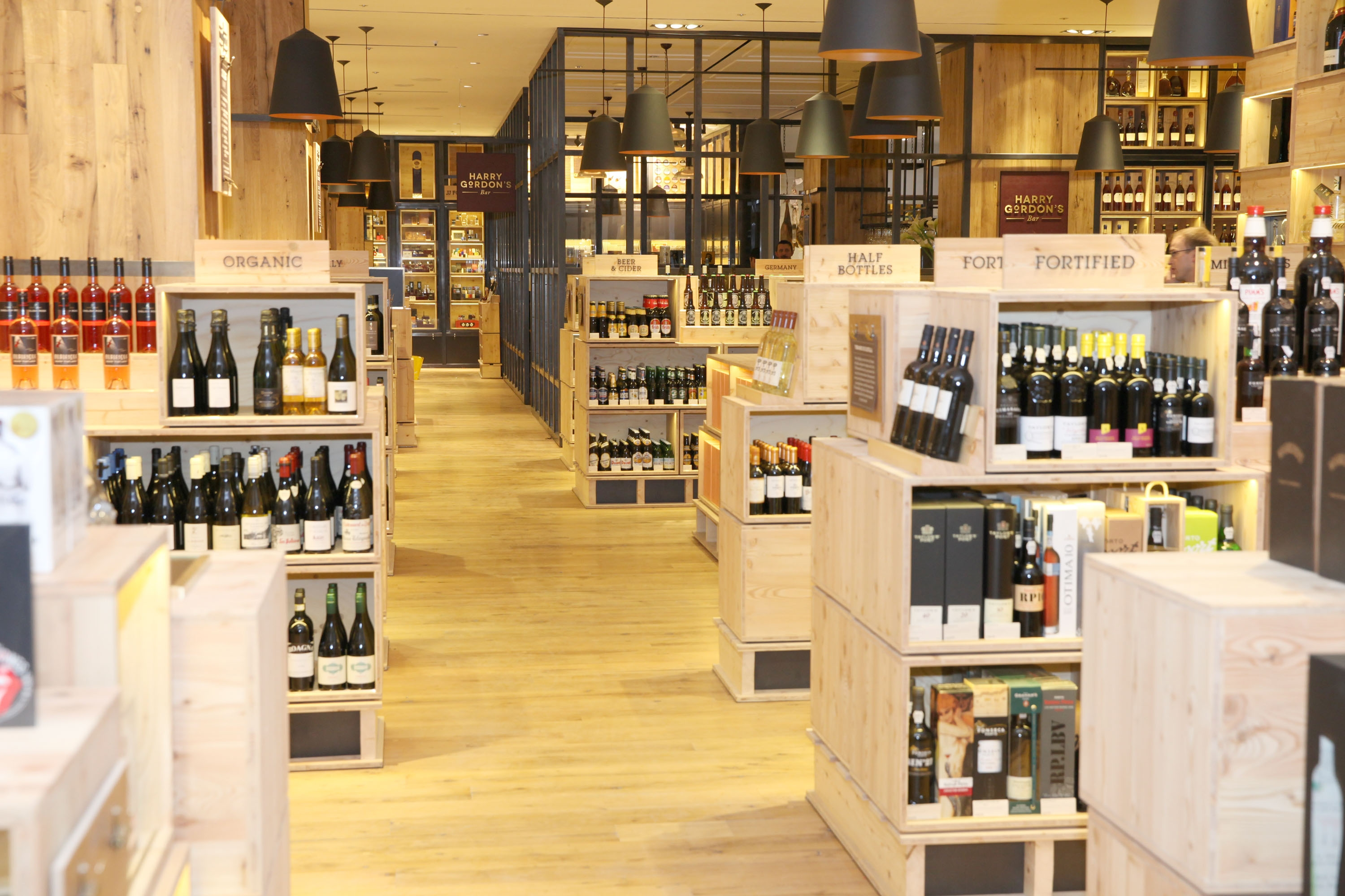 Selfridges opens new and expanded wine shop decanter for Design shop de
