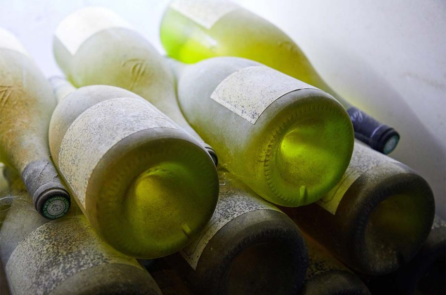 Bottles of white Burgundy; Premature oxidation