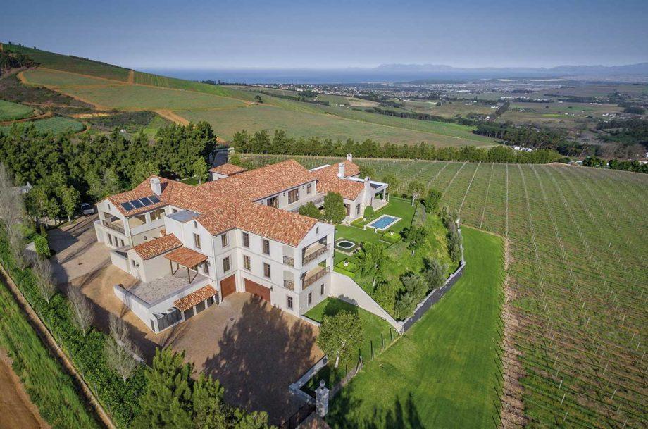 Lifestyle wine farm vineyard in Stellenbosch