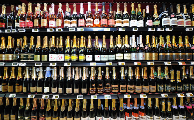 Champagne price wars, French supermarket Champagne
