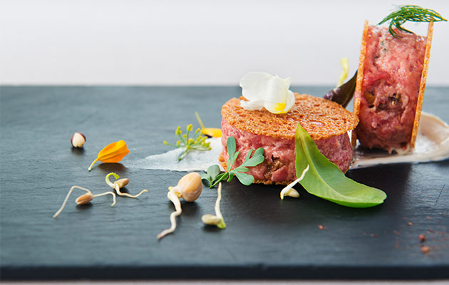 Veal tartare with figs