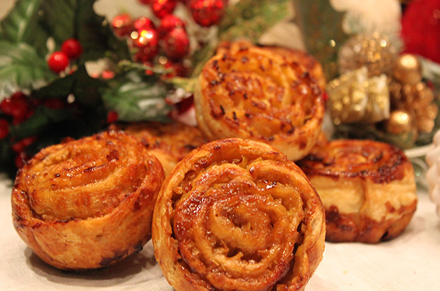 Apple puff pastry with Christmas spices