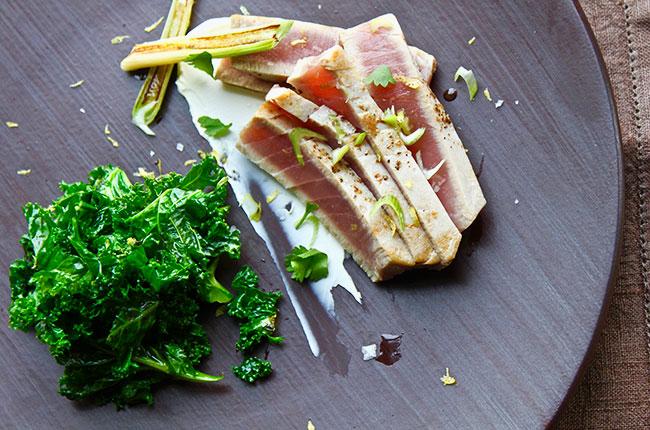 Seared and marinated tuna with roasted kale