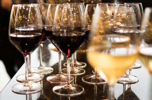 Do you want to count the calories in wine? There are tools to help.