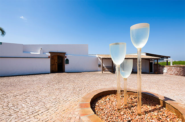 Adega do Cantor, Sir Cliff Richard's wines, Algarve.