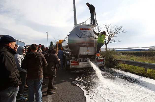 French grower protest tanker hijacking