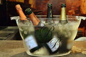 chilled sparkling wine