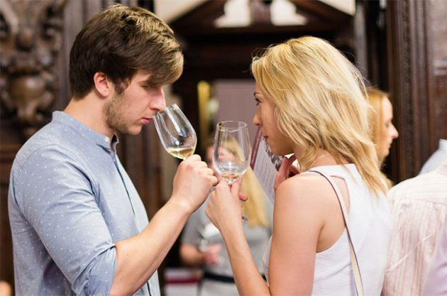 beginners' guide to tasting wine